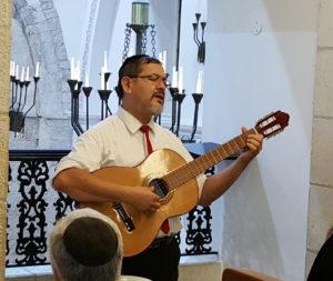 Rabino y Yeuda Peretz