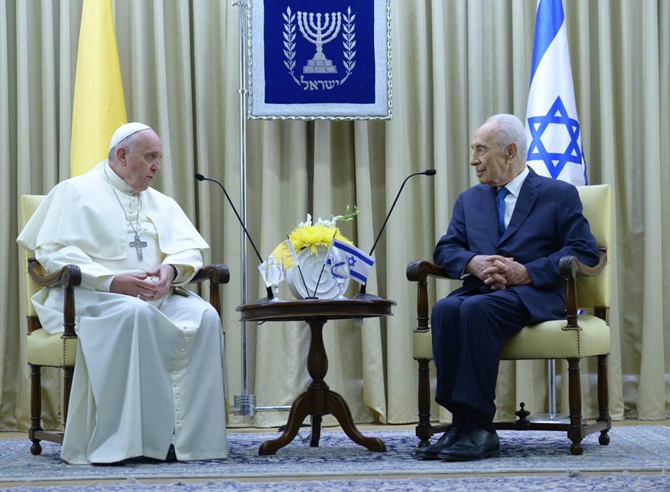 """Shimón Peres sigue """"grave"""" pero hay una """"cierta mejoría"""""""