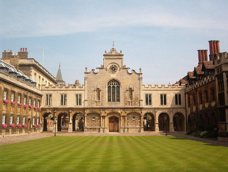 Cambridge: golpean a tres estudiantes judíos