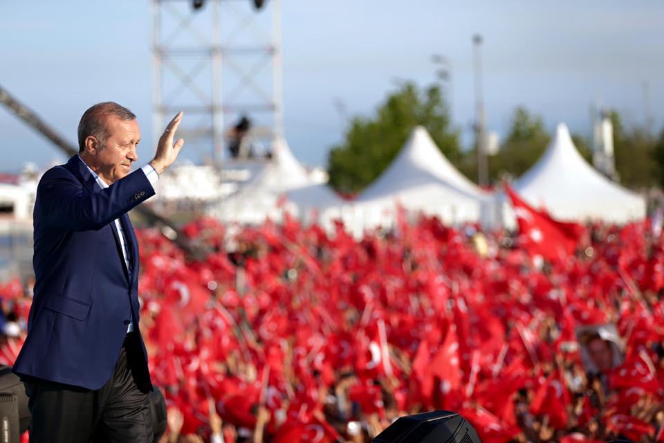 """Erdogan insta a los musulmanes a """"abrazar la causa palestina"""""""