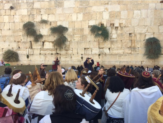 Ultra ortodoxos y reformistas judíos chocan en el Muro de los Lamentos