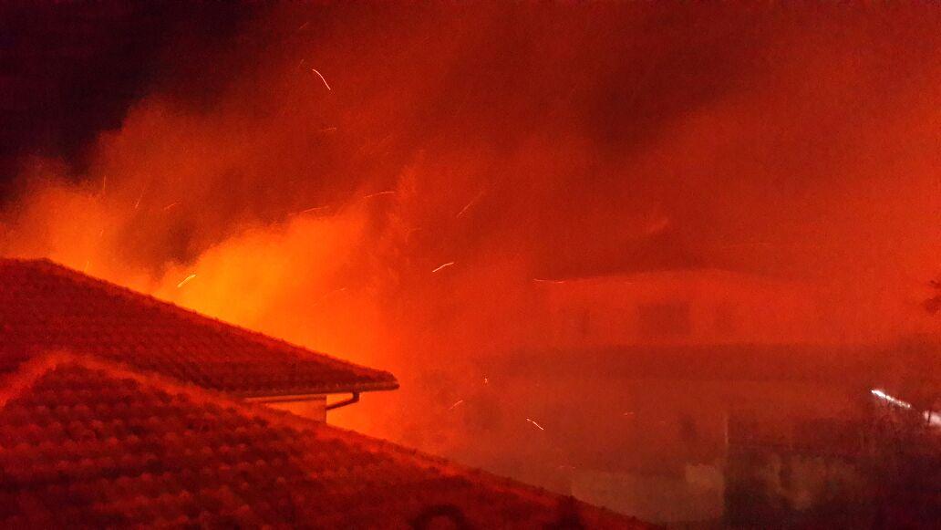 Israel combate una cadena de incendios con ayuda de países vecinos