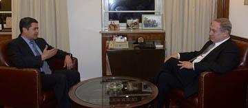 Biniamin Netanyahu recibe a Juan Orlando Hernandez - Foto: GPO - Amos Ben Gershom