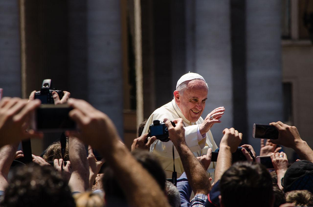 En su mensaje navideño, el Papa clama por la paz entre Israel y los palestinos