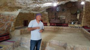 Gaber en la cueva en el Monte de Drejat