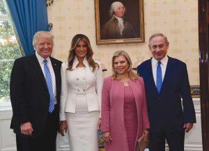 Donald Trump y Biniamín Netanyahu con sus respectivas esposas en la visita del Primer Ministro a EE.UU. Foto: Facebook