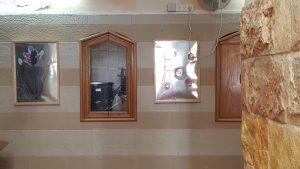 Obra de Belu Fainara en una mezquita de Dier HAna