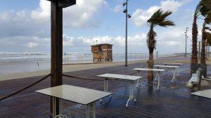 Playa Tayo en día de tormenta real