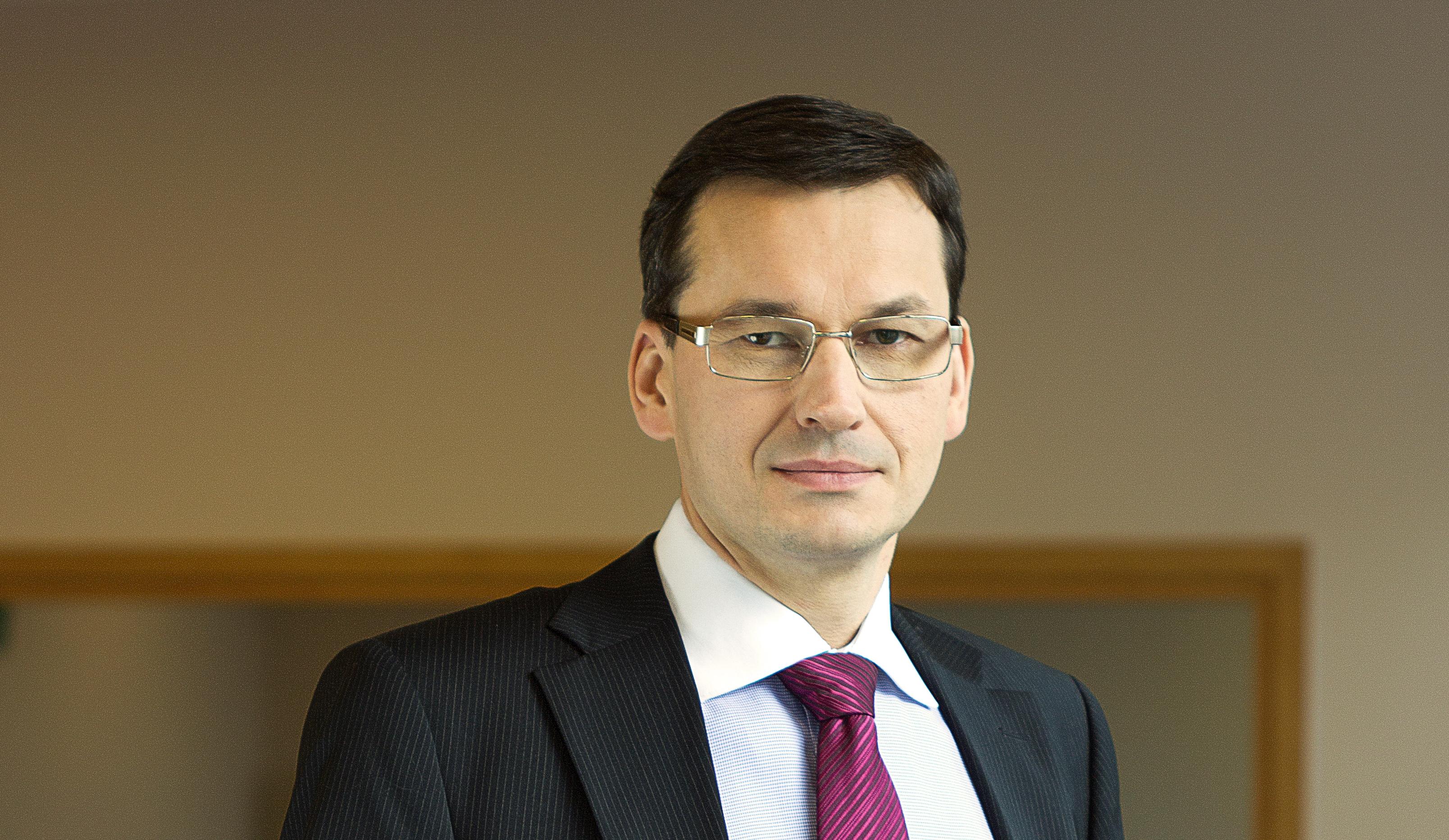 Dimite la Primera Ministra de Polonia