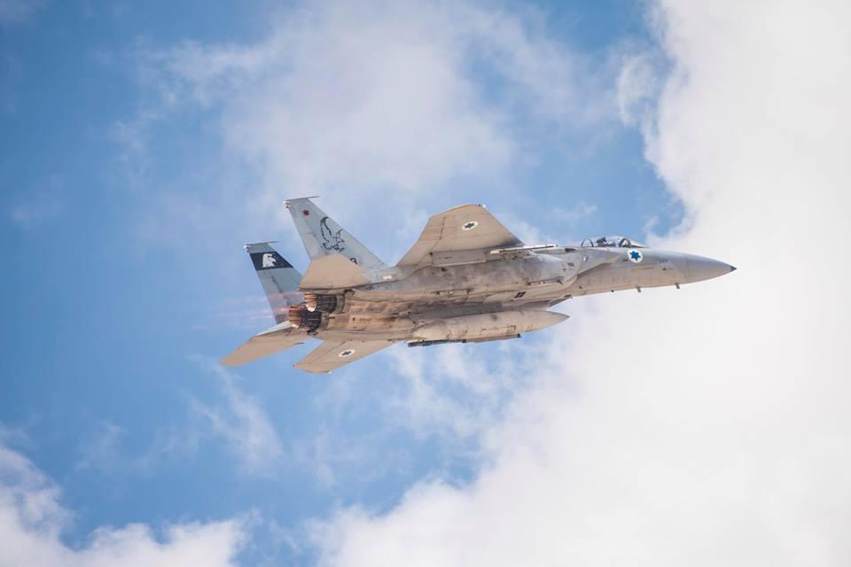 Israel atacó por aire y tierra en las afueras de Damasco