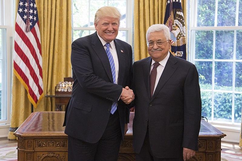 Informe: Egipto y Arabia Saudita dicen a Abbas que acepte el plan de paz de Trump