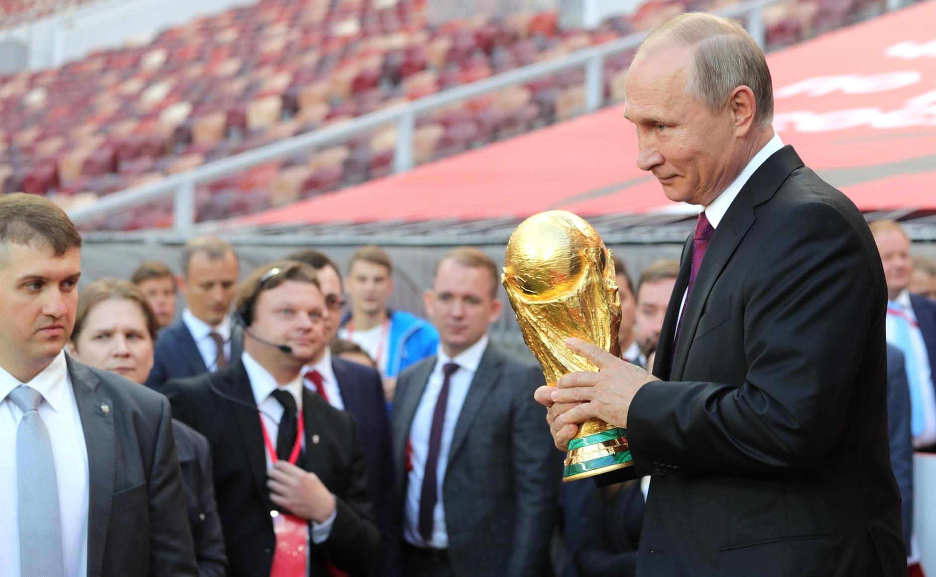 Putin invita a Netanyahu y Abbás a la final de la Copa del Mundo
