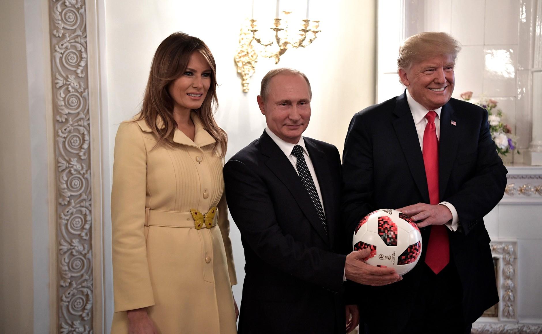 """Trump: """"Putin cree en Israel, es un fanático de Netanyahu"""""""