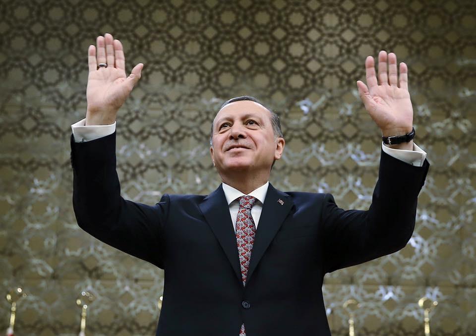Netanyahu y Erdogan se enzarzan en una pelea dialéctica — Pelea de gallos
