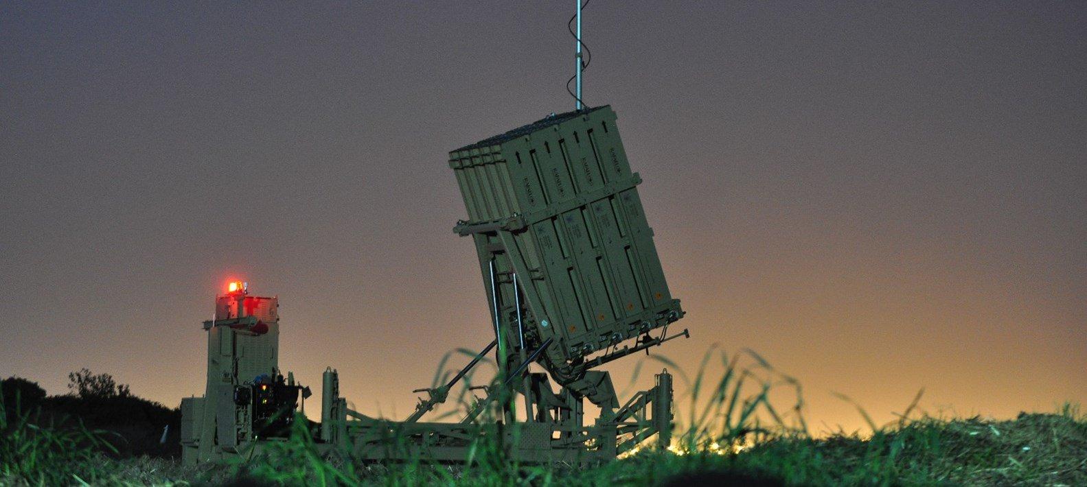 Israel despliega el escudo antimisiles en Beer Sheva, tras el cohete lanzado desde Gaza