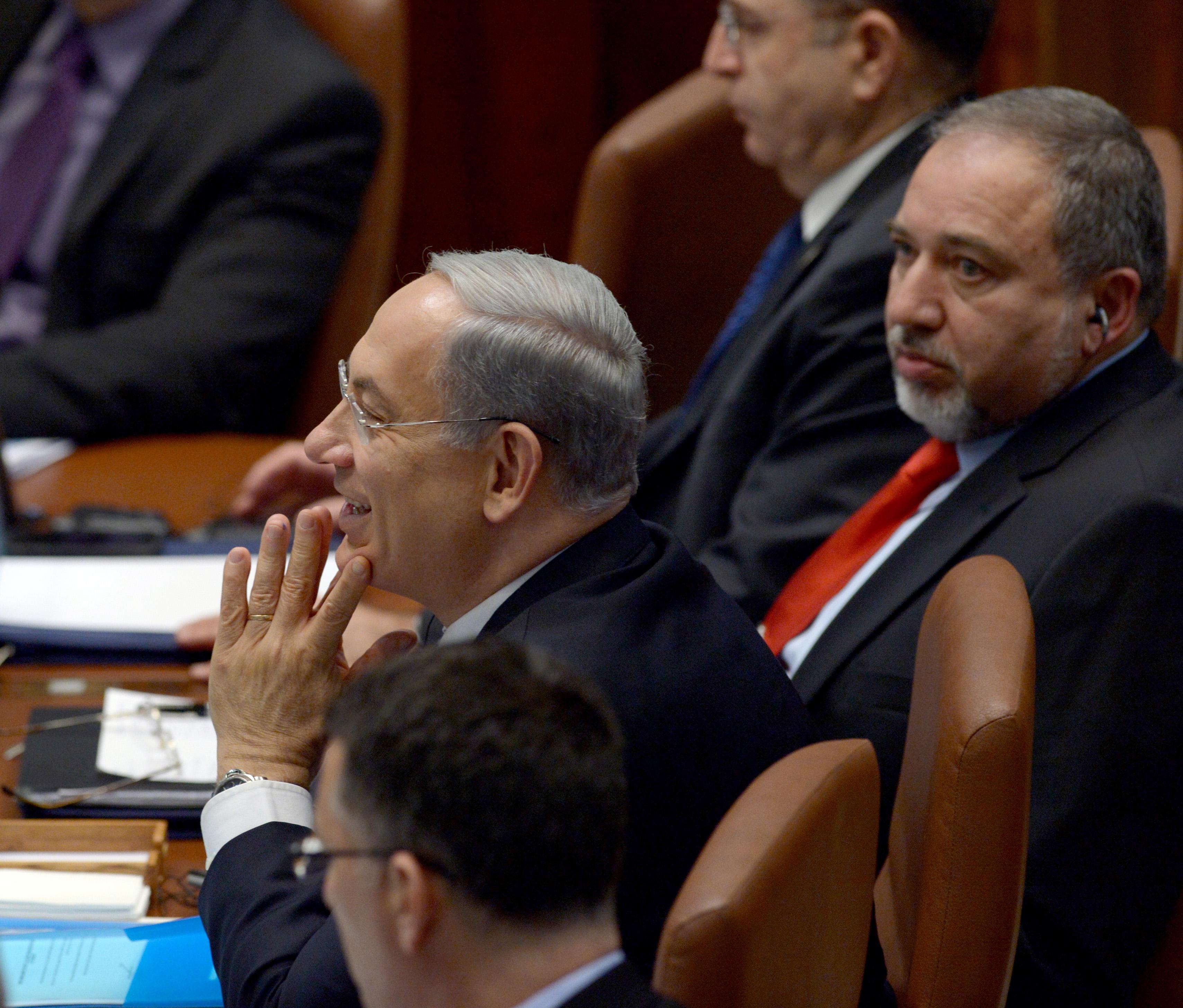 El ministro de Defensa, Avigdor Liberman, renuncia a su cargo tras el cese al fuego con Hamás
